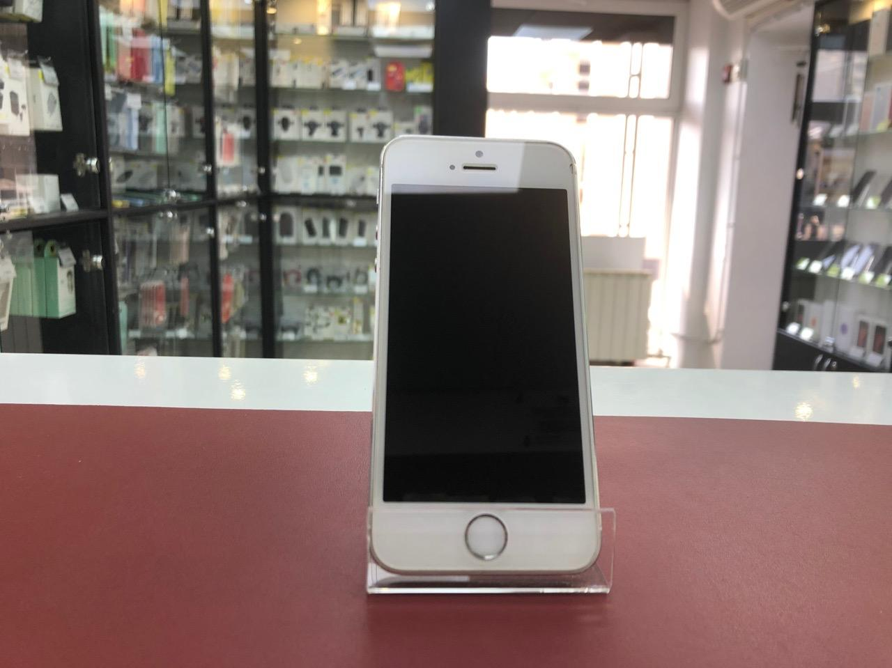iPhone 5s 16Gb Silver Б.У