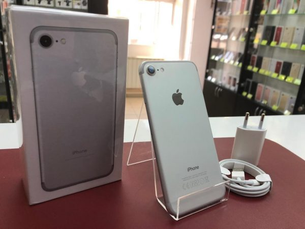 iPhone 7 256 Gb Silver Б.У